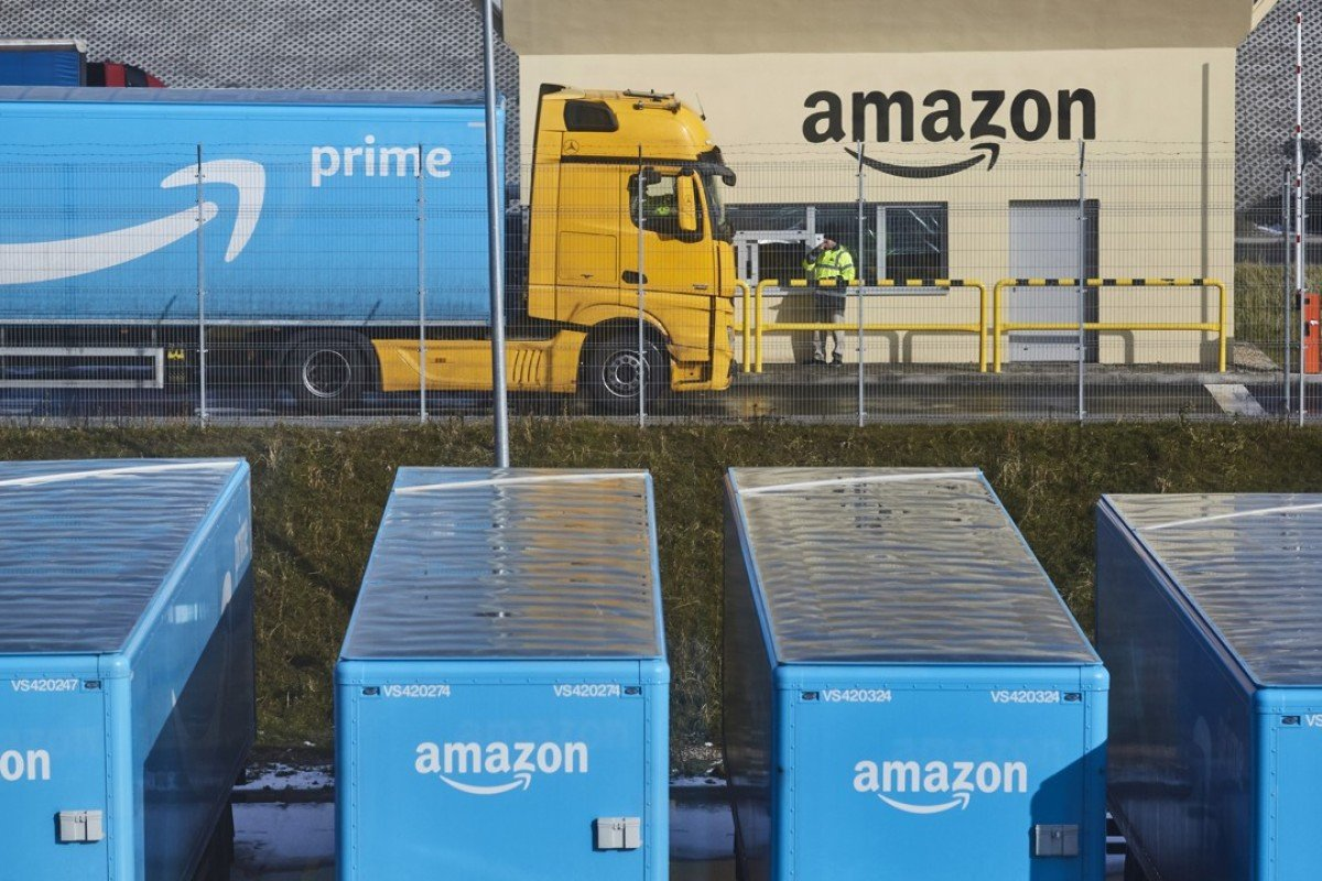 Why Amazon pays employees US$5,000 to quit   South China