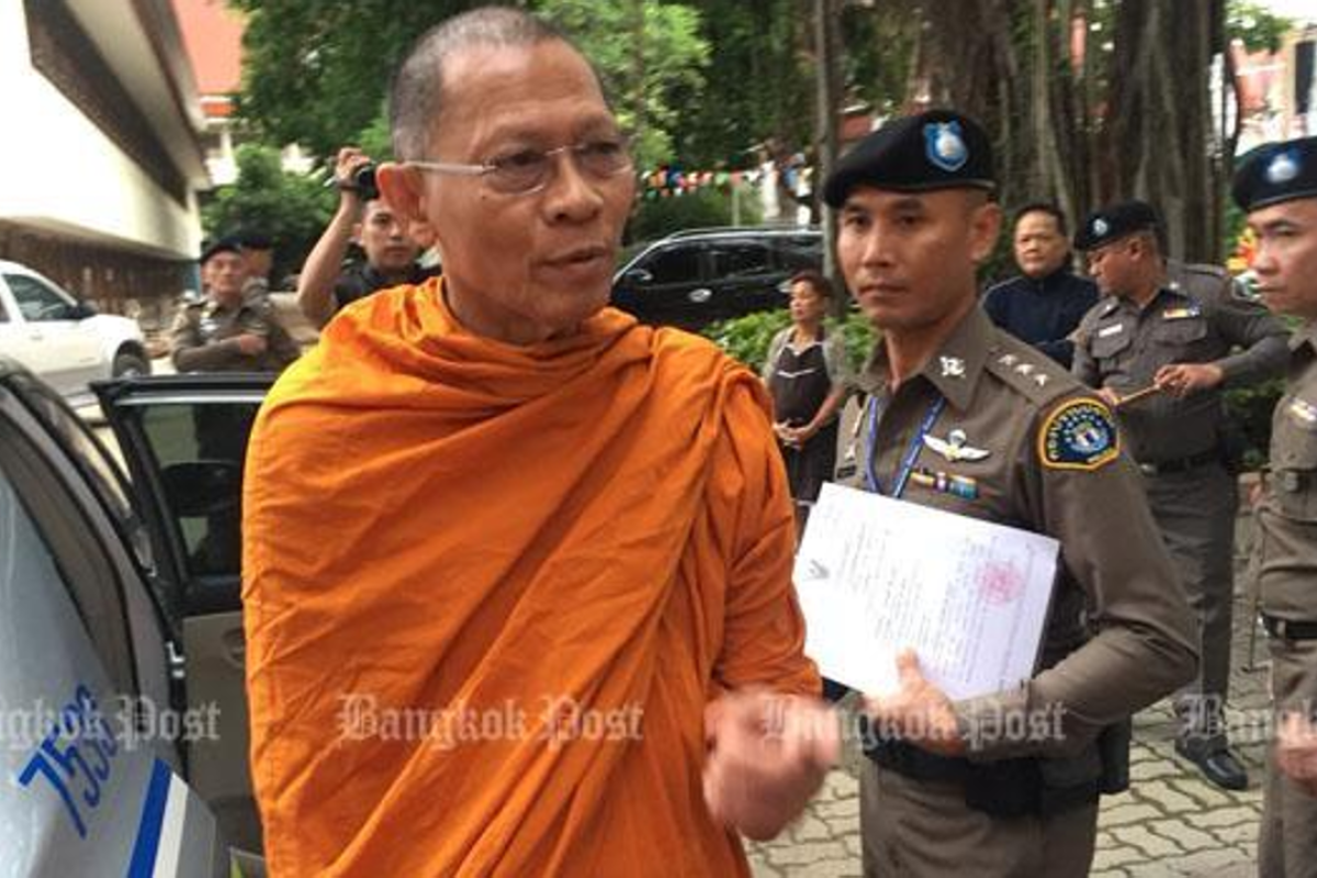 Senior Thai monks arrested for embezzlement and robbery