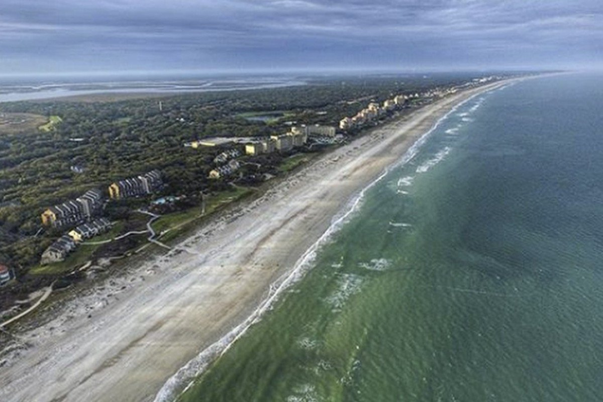Rare double shark attack closes picturesque Florida beach
