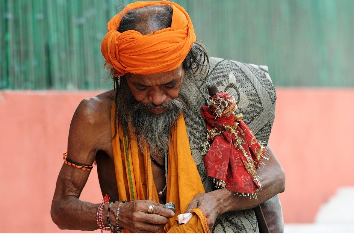 Begging in India capital is not a crime, New Delhi court