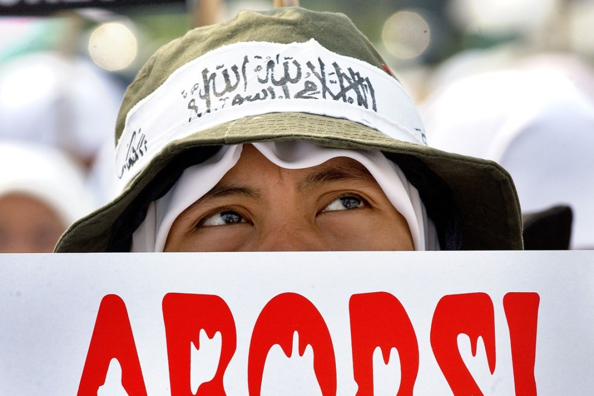 Indonesian court clears 15-year-old rape victim jailed for