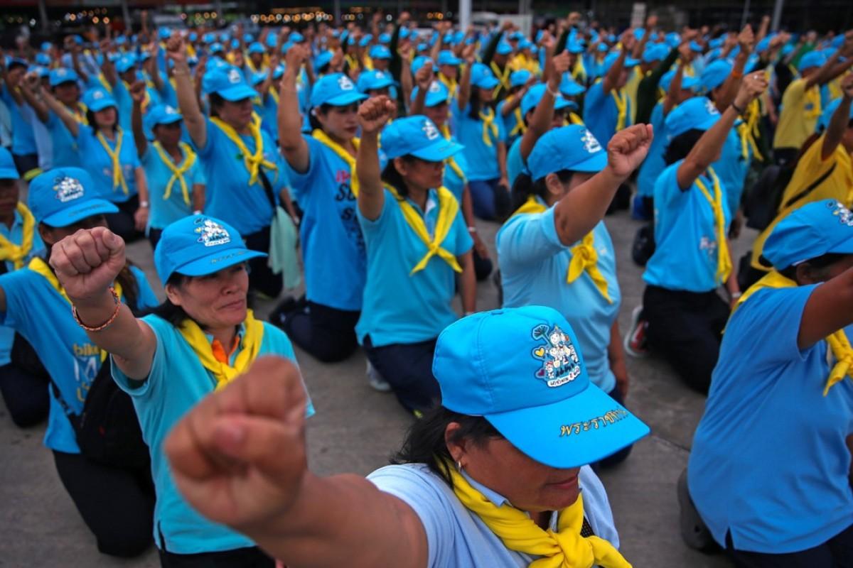 Is King Maha Vajiralongkorn's volunteer army a way to distance