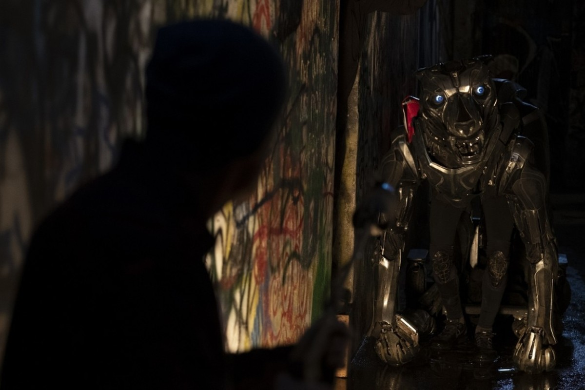 A  X  L  film review: robotic military dog in sci-fi