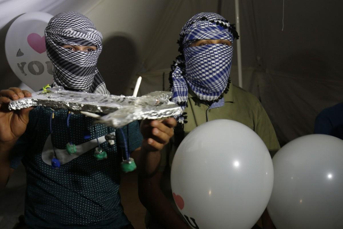 Masked Palestinian 'night confusion units' step up anti-Israel