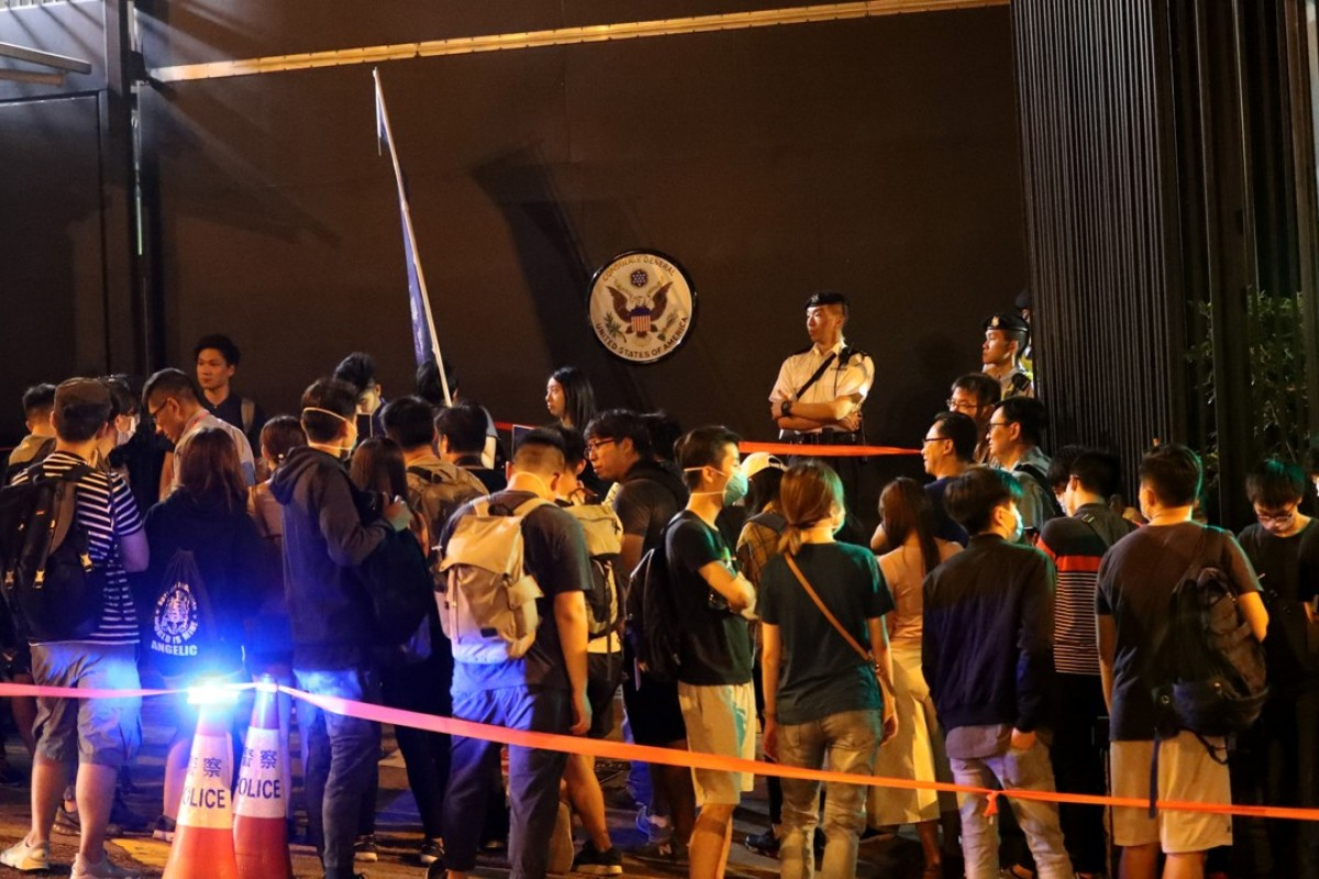 Pro-independence students gather at US consulate in bid to