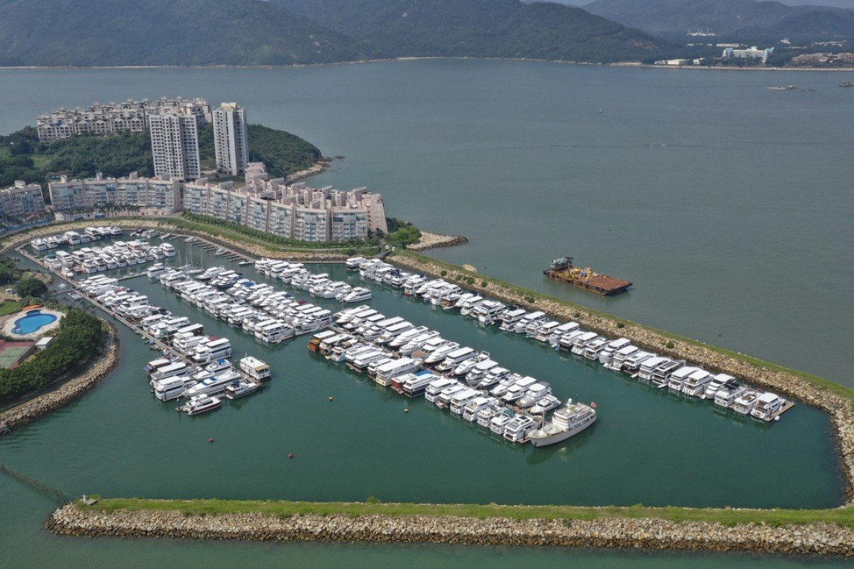 Hong Kong houseboat owners facing eviction offered three