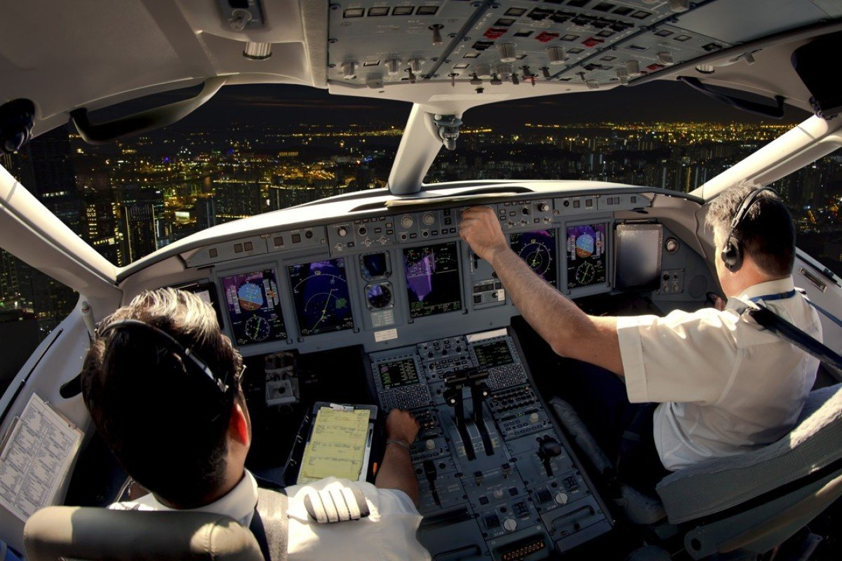 Cathay Pacific\'s trainee pilots appeal against lower pay ...