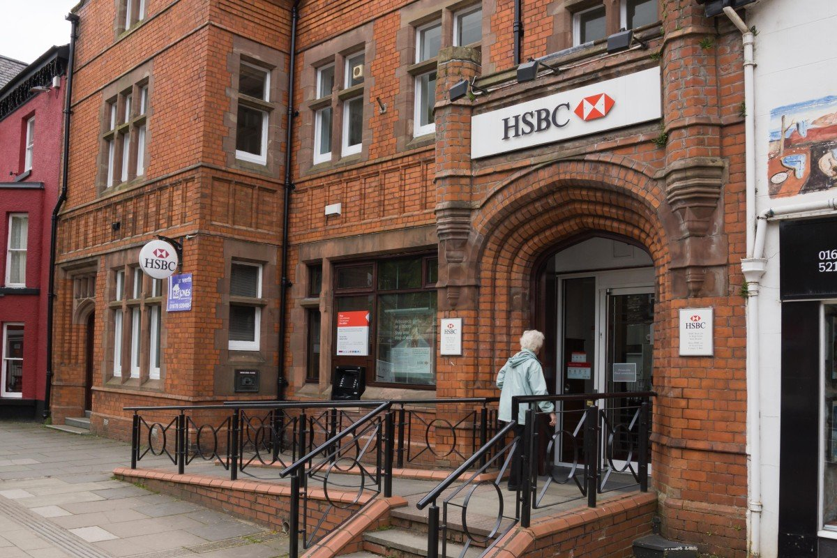 HSBC tells Welsh customer not to complain in 'foreign