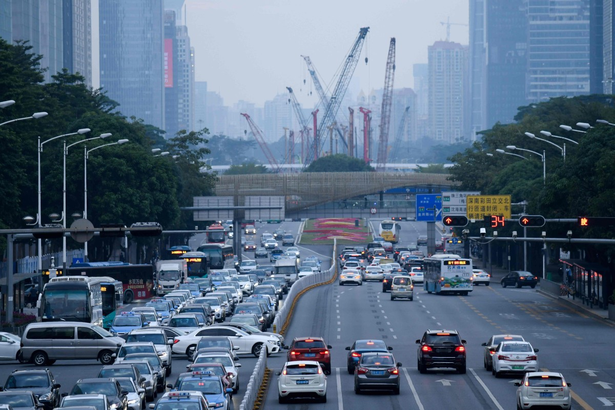 China's industrial powerhouse Guangdong slashes growth