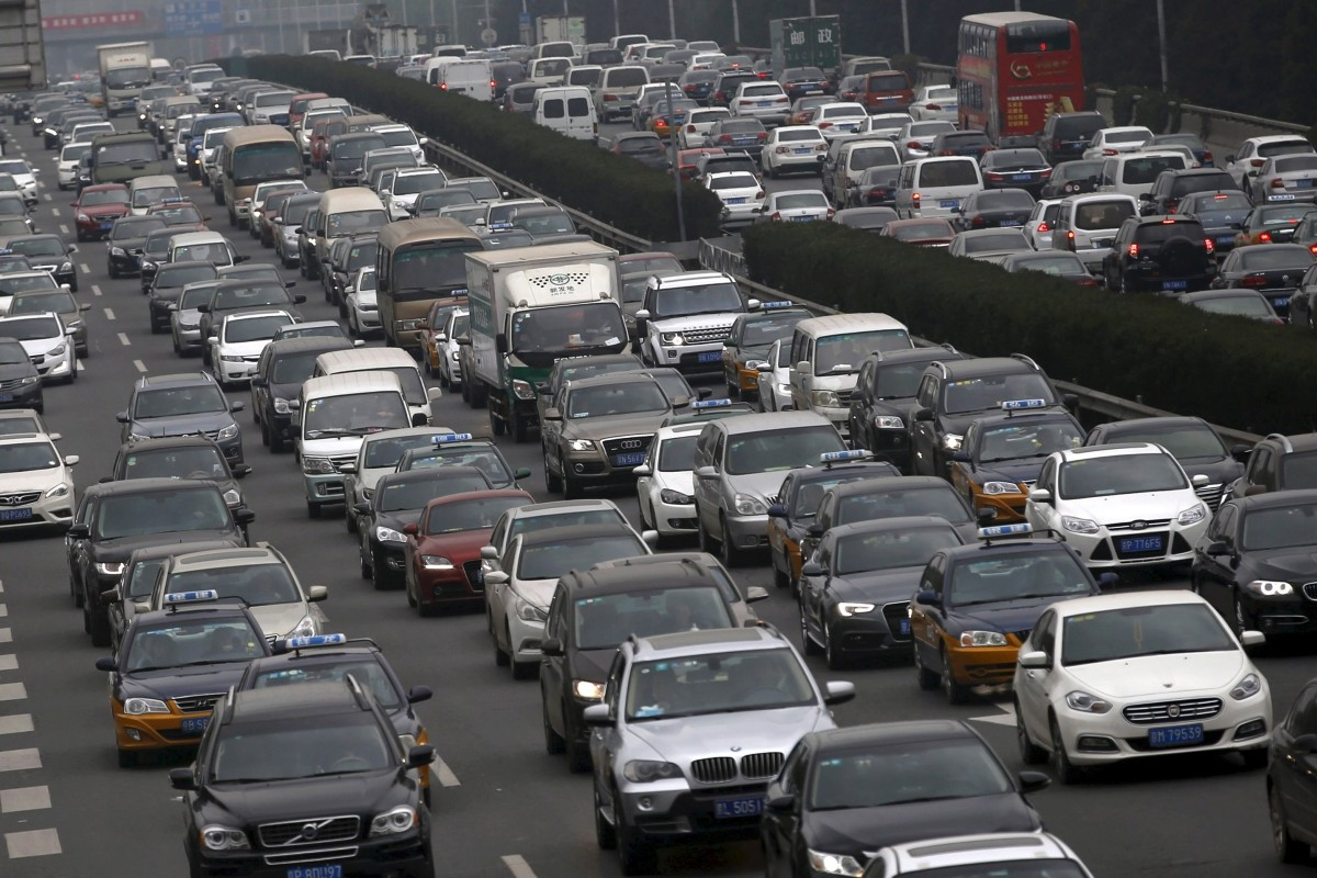 China moves to spur car sales in bid to boost slowing