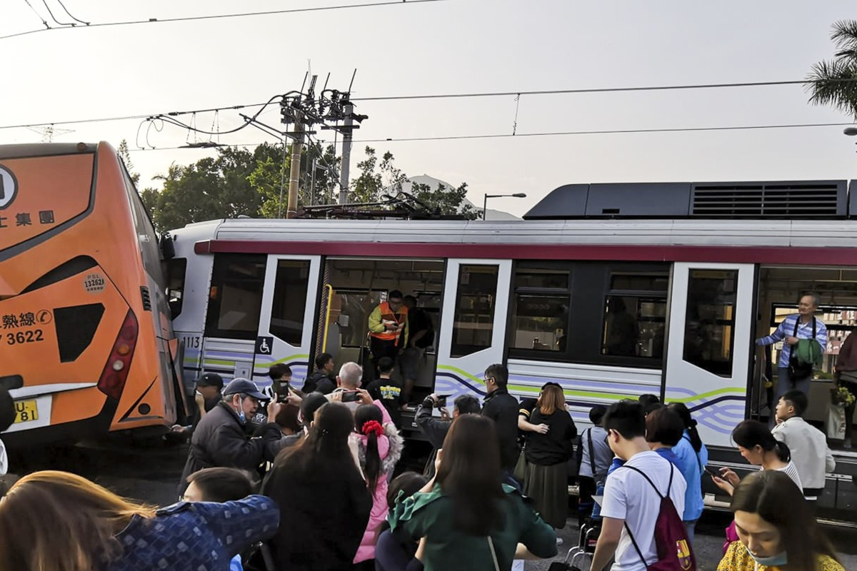 30 people injured in crash involving coach and light rail