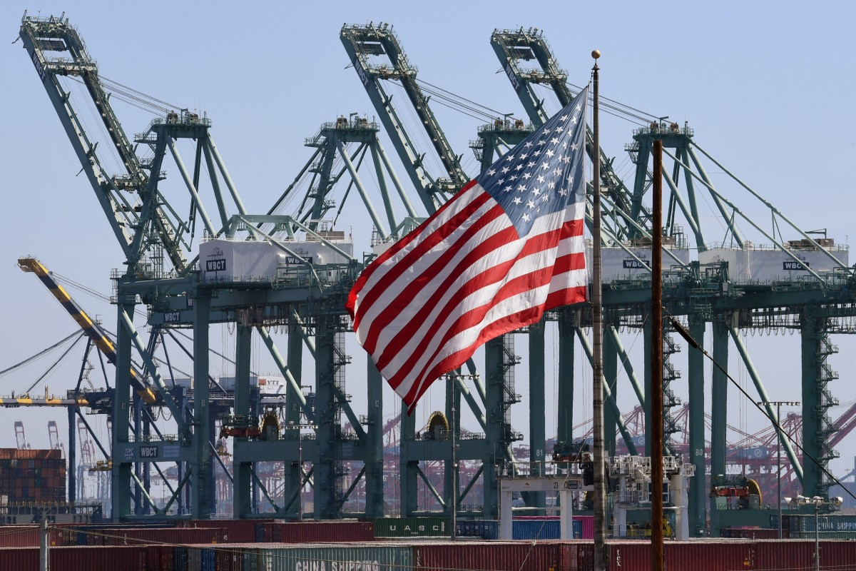 US trade deficit with China narrows, as effects of trade war