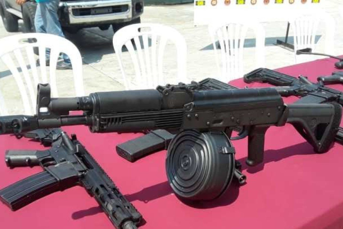 Venezuela: US sending planes with guns, ammo and radios for