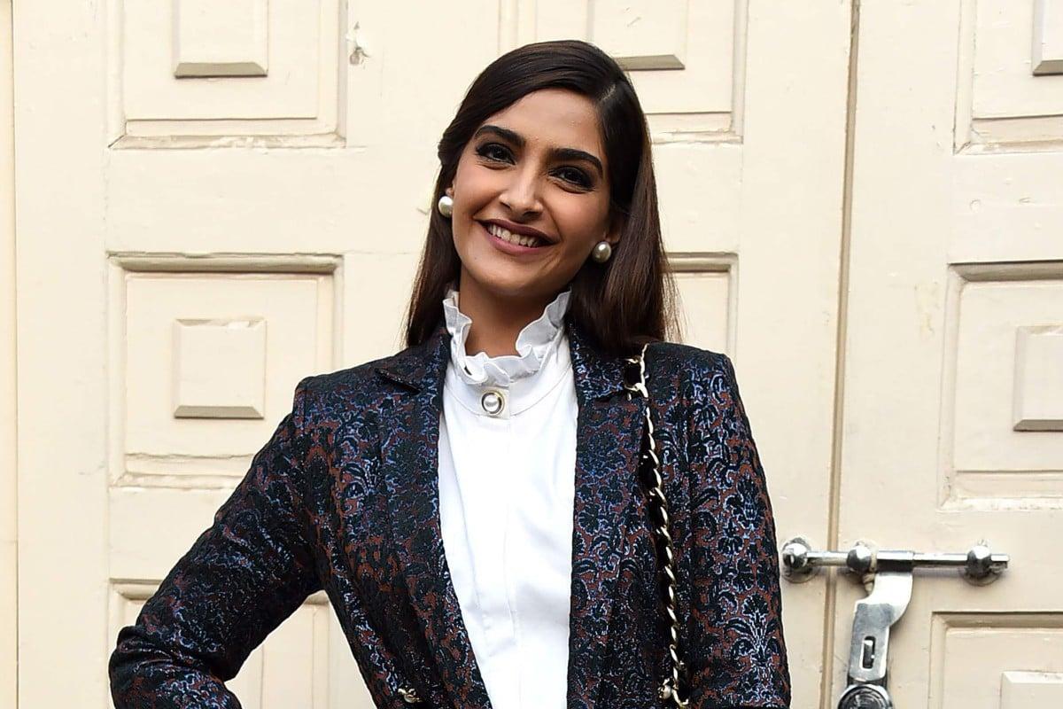 India's LGBT community hail Bollywood lesbian romance as a