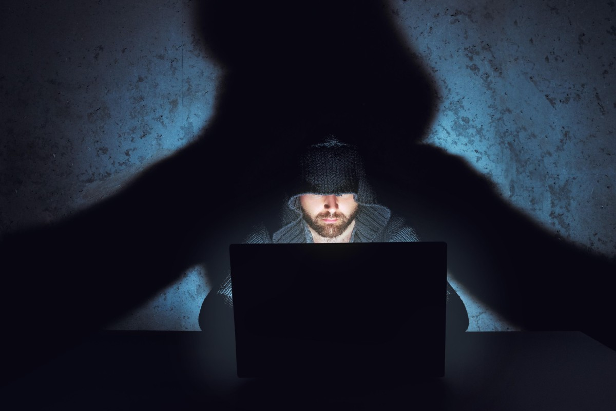 Malicious hackers can 'break the internet' with DNSpionage, warn web