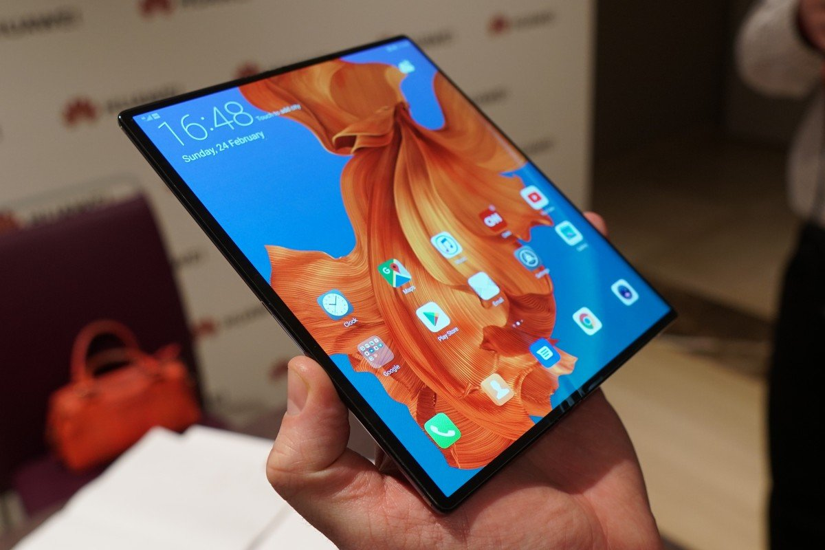 75af73347c4 Huawei Mate X first look  foldable phone outshines rival Samsung ...