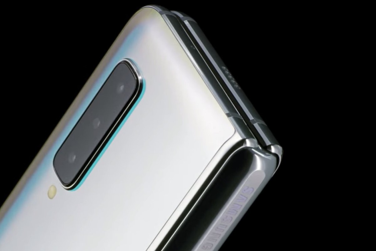 9c648d19cfe2ed Samsung s new Galaxy Fold smartphone features a 4.6-inch screen when folded  (above)