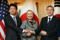US Secretary of State Hillary Clinton (centre) meets with Japanese Foreign Minister Koichiro Gemba (left) and South Korean Foreign Minister Kim Sung-hwan on September 28. Photo: AFP