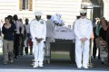 Navy officers guard the coffin of former South African President Nelson Mandela. Photo: Xinhua