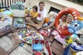 Reducing plastic pollution (from left): Finn, Jeff, Tracey and Evie Read. Photo: Jonathan Wong