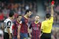 Jordi Alba sees red. Photo: Reuters
