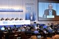 Intergovernmental Panel on Climate Change (IPCC) Working Group II co-chairman Chris Field (2nd left) at the 10th plenary of the IPCC Working Group II in Tokyo. Photo: AFP