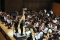 Hong Kong Sinfonietta musicians excel despite the stifling heat.