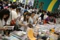 Visitors at last year's Hong Kong Book Fair. Photo: Sam Tsang