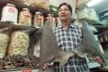 Bans on shark fin shipments are aimed at limiting supplies to Hong Kong shops. Photo: Reuters