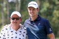 Hong Kong Tourism Board chairman Peter Lam Kin-ngok gets in on the act in a pose with English golfer Justin Rose on Wednesday ahead of the Hong Kong Open. Photos: K.Y. Cheng
