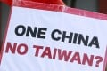 An activist's placard in Taipei protesting against the meeting between former Taiwan president Ma Ying-jeou and President Xi Jinping in Singapore in November. Photo: Reuters