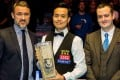 Marco Fu flanked by Stephen Hendry (left) and Coral's John Hill. Photos: World Snooker