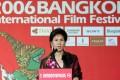 Juthamas Siriwan addressing the opening ceremony of the 2006 Bangkok International Film Festival in Bangkok. Photo: AFP