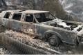 A limo destroyed by the La Tuna fire on Verdugo Crestline Drive near the Sunland-Tujunga area. Photo: TNS