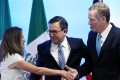 Canadian Foreign Minister Chrystia Freeland shakes hands with US Trade Representative Robert Lighthizer as Mexico's Economy Minister Ildefonso Guajardo looks on after addressing the media to close the second round of Nafta talks involving the United States, Mexico and Canada in Mexico City, Mexico, on September 5, 2017. Photo: Reuters