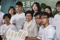 Young Hongkongers with Hong Kong Chief Executive Carrie Lam Cheng Yuet-ngor. Photo: Nora Tam