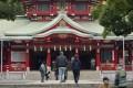 People visit Tomioka Hachimangu shrine in Tokyo. Photo: AP