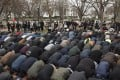 Muslims pray at President's Park beside Pennsylvania Avenue across the street from the White House in Washington. Hundreds gathered at President's Park near the White House to protest US President Donald Trump's announcement that he is recognising Jerusalem as the Israeli capital and will relocate the US embassy to Jerusalem. Photo: EPA-EFE
