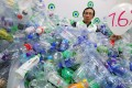 Edwin Lau Che-feng said current practices on the use of plastic bottles were unsustainable. Photo: Felix Wong