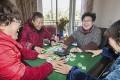 Elderly residents of the Hangzhou villa play mahjong. Photo: ifeng.com