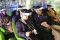 People interact with animals using virtual reality headsets at Guangzhou Zoo. Photo: Southern Metropolis News