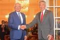 Malaysian Prime Minister Najib Razak with Singaporean counterpart Lee Hsien Loong. Photo: Xinhua