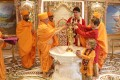 Canadian Prime Minister Justin Trudeau and his sons visit a temple in the Indian town of Gandhinagar. Photo: AFP