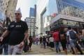 Shoppers in Hong Kong. Photo: Dickson Lee