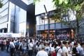 Crowds of people gather outside a pop-up shop to buy the latest OnePlus smartphone. Photo: Handout