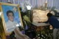 Gina Halili, the widow of Tanauan city Mayor Antonio Halili, during his wake. Photo: AP