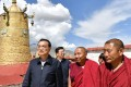 Premier Li Keqiang met Buddhist leaders at Jokhang Temple in Lhasa. Photo: State Council