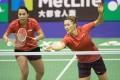 Gronya Somerville (right) with doubles partner Setyana Mapasa at the Hong Kong Open badminton championships in November 2017.