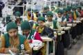 Trainee seamstresses at a garment factory in Dhamrai, near Dhaka, Bangladesh on April 19, 2018. Photo: AP