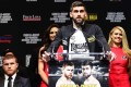 Rocky Fielding of the United Kingdom speaks during a press conference while his opponent Canelo Alvarez of Mexico sits to his left at Madison Square Garden. Photo: AFP
